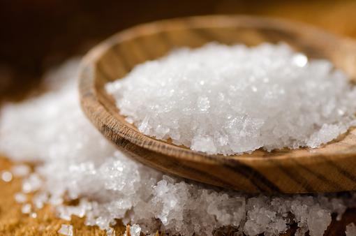 پاکسازی خانه با نمک