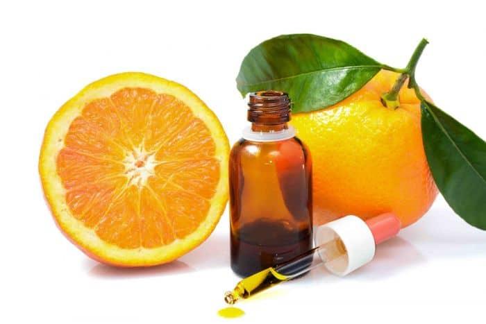 پاكسازی خانه با روغن هاي پاك كننده مانند روغن پرتقال، رز، ياسمن